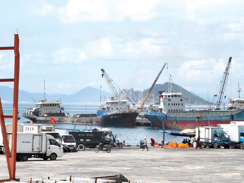 Cảng Vũng Rô là hạng mục hạ tầng quan trọng của Khu kinh tế Nam Phú Yên.