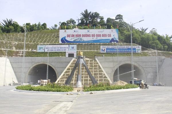 Hầm đường bộ Đèo Cả đang được vệ sinh để chuẩn bị đưa vào khai thác dịp 2/9